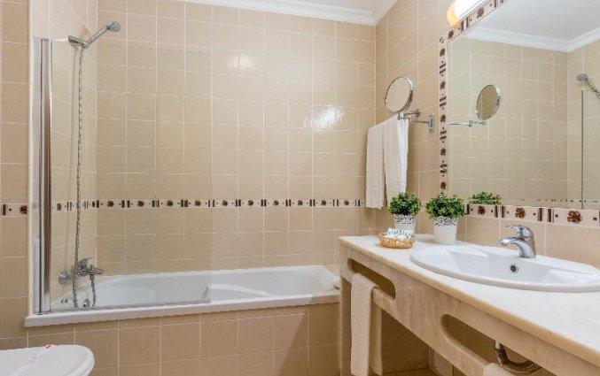 Een badkamer van een studio van Aparthotel Luna Solaqua Algarve