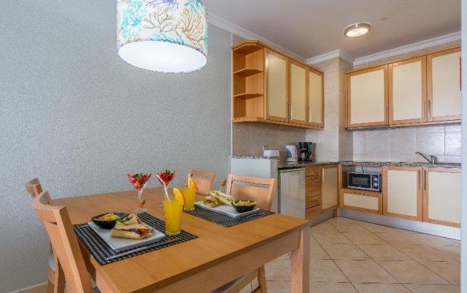 Keuken van een appartement van Aparthotel Luna Solaqua Algarve