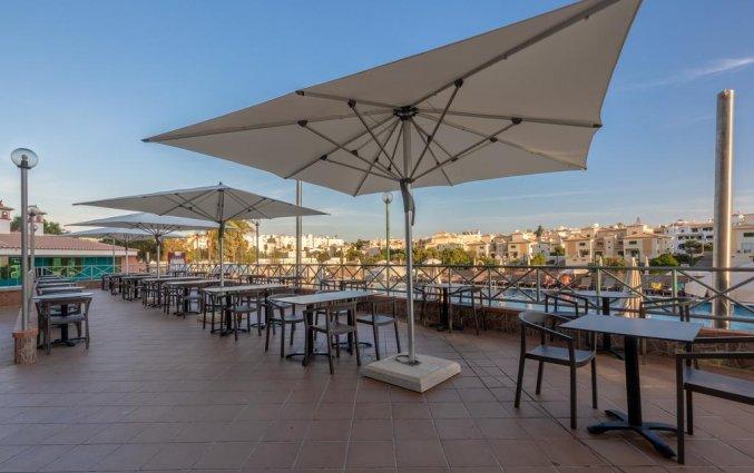 Het terras met uitzicht van Aparthotel Luna Solaqua Algarve