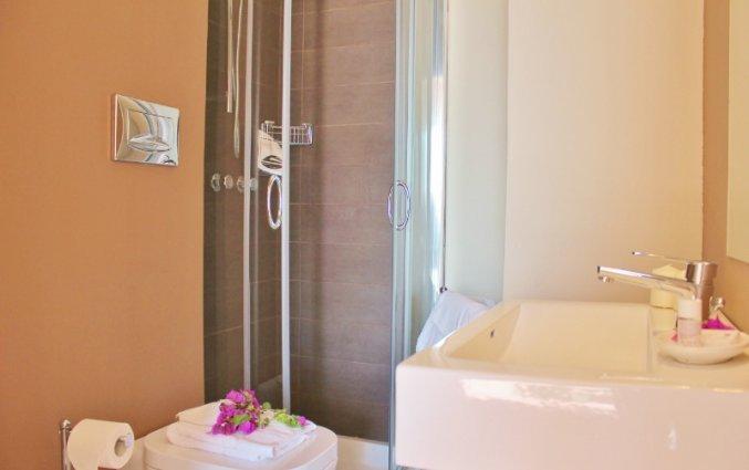 Badkamer van een tweepersoonskamer van Hotel Baia Azzurra op Sicilie