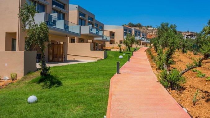 Tuin van Hotel Kiani Beach Resort op Kreta