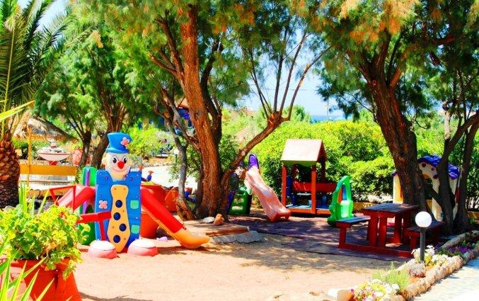 Speelruimte voor kinderen bij Zorbas Hotel Beach Village op Kreta