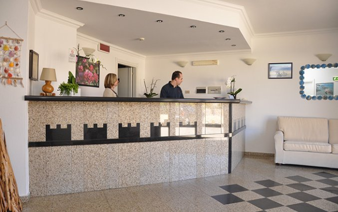 Receptie van Hotel Castello op Sardinië