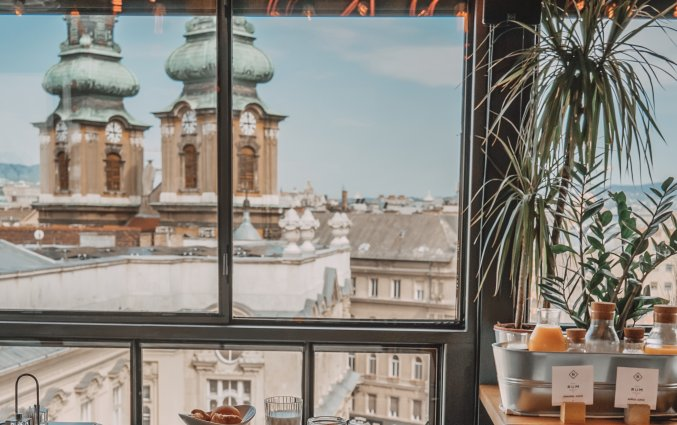 Ontbijtbuffet bij hotel Rum in Budapest