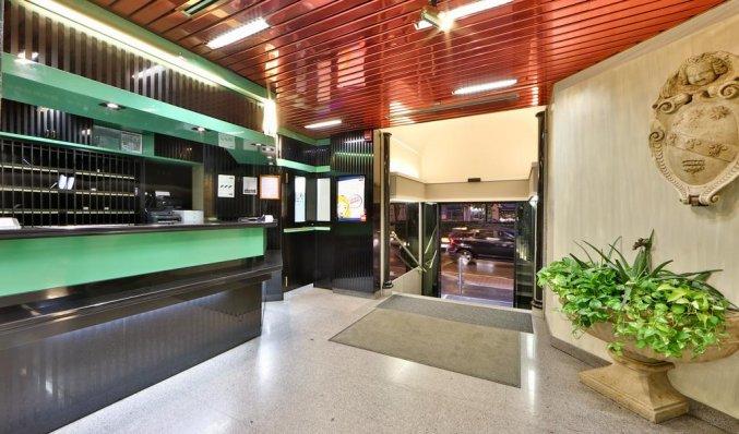 Receptie van hotel Astoria in Milaan