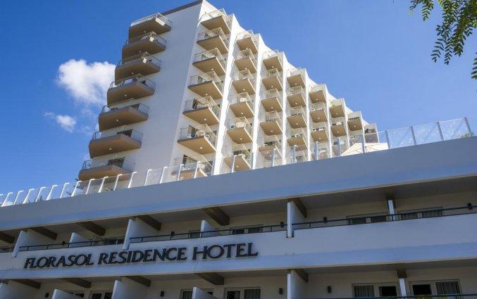 Buitenaanzicht hotel Dorisol Florasol