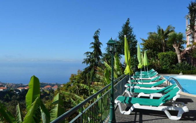 Zwembad van Bed en breakfast Quinta Alto São João by Petit Hotels