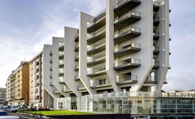 Buitenaanzicht van Aparthotel lungoteversuite in Rome