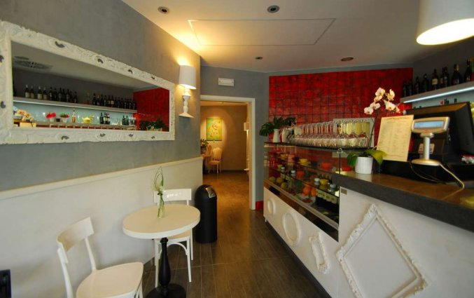Restaurant van Aparthotel lungoteversuite in Rome
