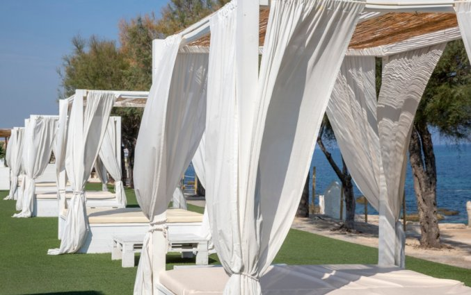 Ligbedden van Hotel Riva Del Sole in Puglia