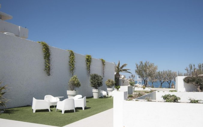 Terras van Hotel Riva Del Sole in Puglia