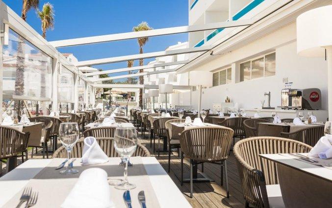 Terras van Hotel Globales Mediterrani op Menorca