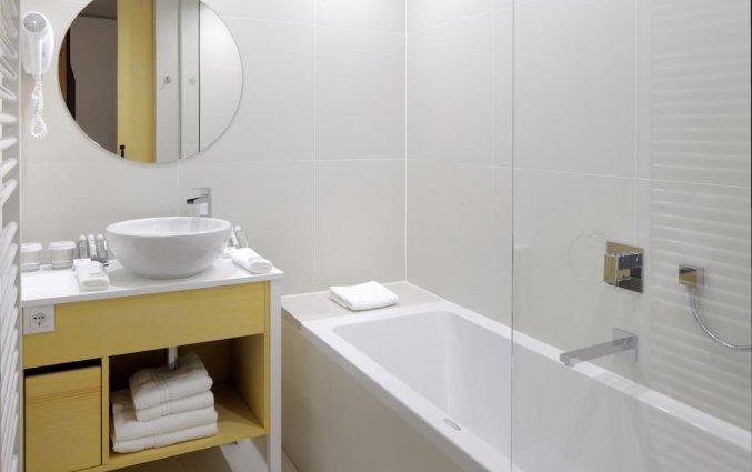 Badkamer van kamer van Hotel Nox Ljubljana