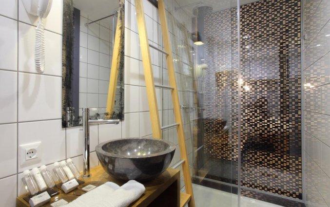Badkamer in kamer van Hotel Nox Ljubljana
