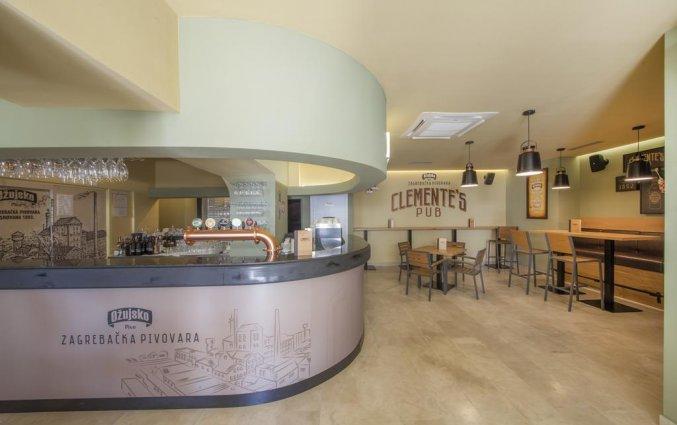 Bar van Hotel Bluesun Alga in Dalmatië
