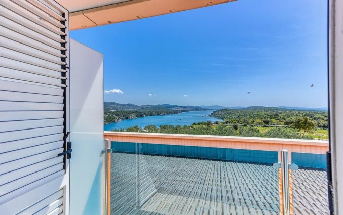 Balkon van een tweepersoonskamer van Hotel Panorama in Dalmatie