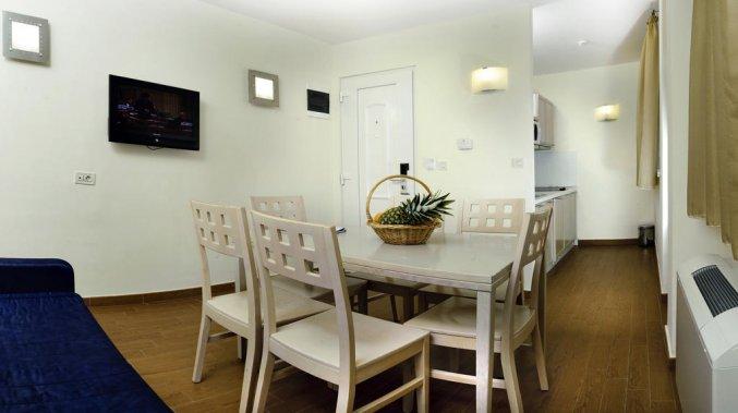 Keukentafel van Villas Kornati
