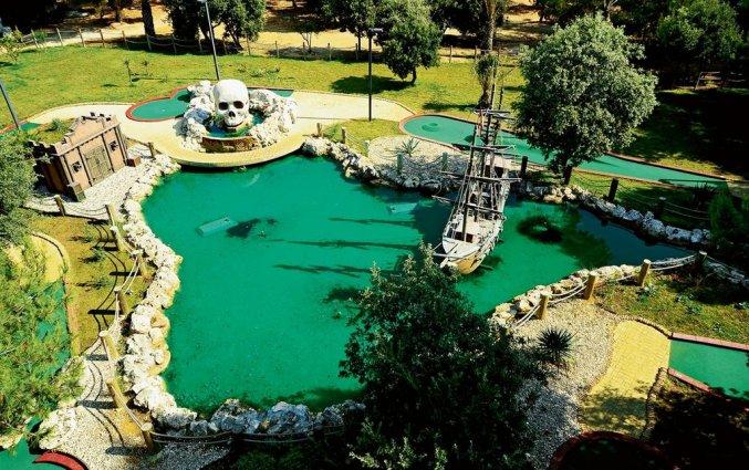 bovenaanzicht van zwembad van Villas Kornati