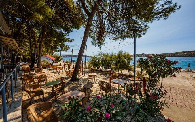 Terras van Hotel Medena in Dalmatië
