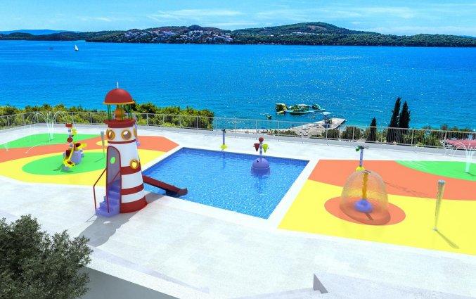 Kinderzwembad van Hotel Medena in Dalmatië