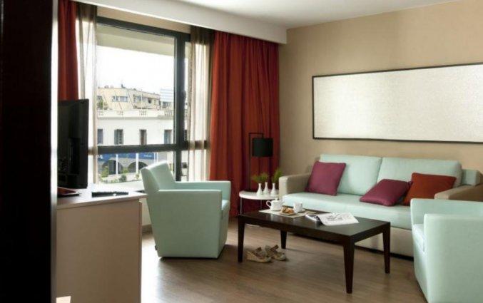 Zitgedeelte in Suite van Hotel Barcelo Fes Medina in Fez