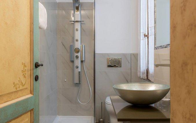 Badkamer van een tweepersoonskamer van Residenza Conte di Cavour in Florence