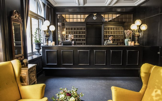 First Hotel Kong Frederik-Receptie