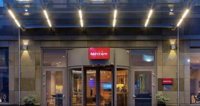 Voorkant van hotel Mercure Moscow Paveletskaya