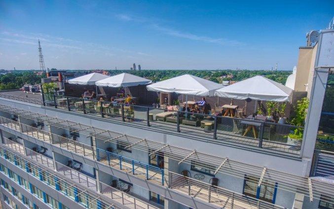 Rooftopbar van hotel Bellevue Park Riga