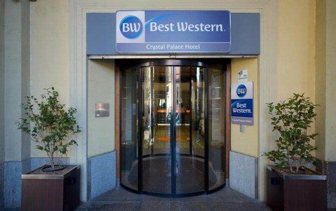 Voorkant van hotel Best Western Crystal Palace