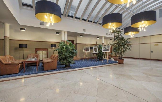 Lobby van Hotel Hetman in Warschau