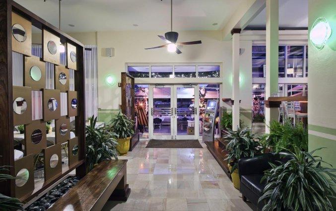 Entree van Hotel Colony Ocean Drive in Miami