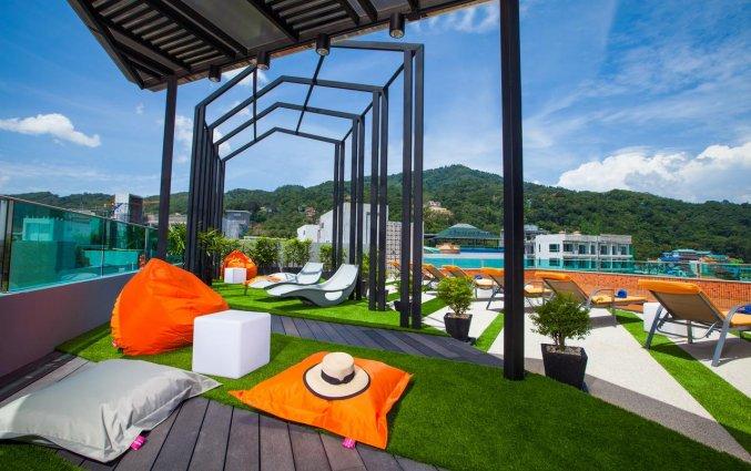 the crib patong hotel dakterras