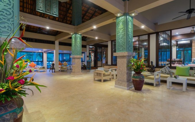 Lobby van Resort The Briza Beach Khao lak