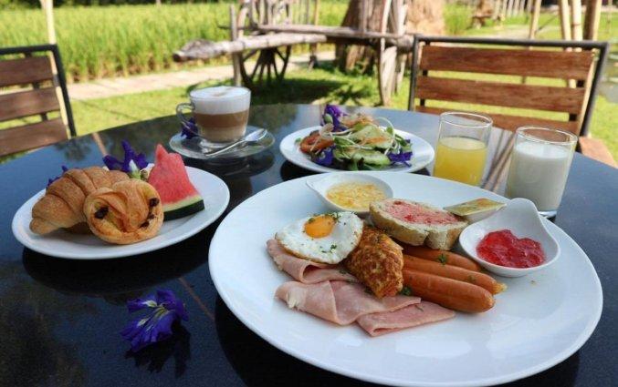 Ontbijt Naina Resort & Spa