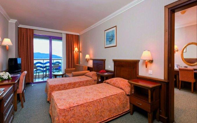tweepersoonskamer van hotel Grand Kaptan