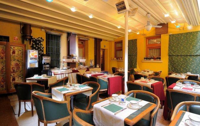 Ontbijtzaal van hotel Ca'Marinella