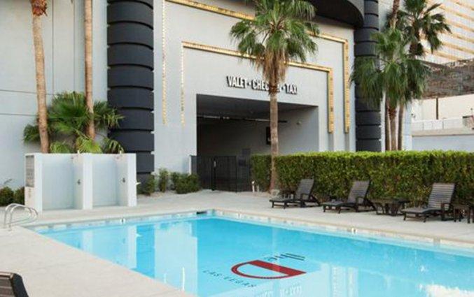 Zwembad van hotel D