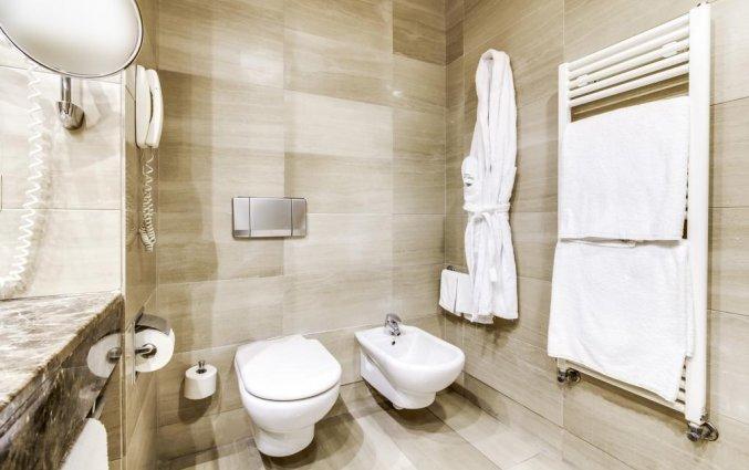 Badkamer van een tweepersoonskamer van Hotel Sercotel Acteon Valencia in Valencia