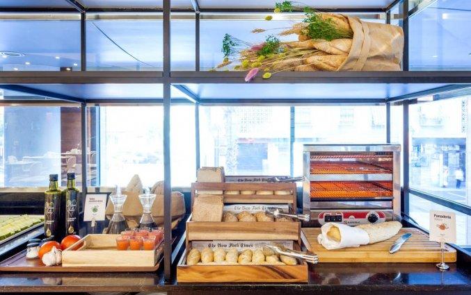 Ontbijtbuffet van Hotel Sercotel Acteon Valencia in Valencia