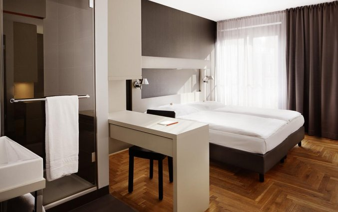 Tweepersoonskamer van Hotel AMANO in Berlijn