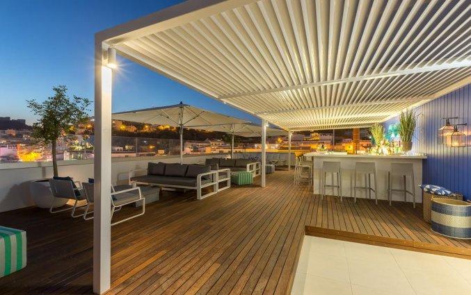 Dakterras met bar van Hotel Baltum in de Algarve