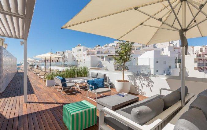 Dakterras met meubilair van Hotel Baltum in de Algarve