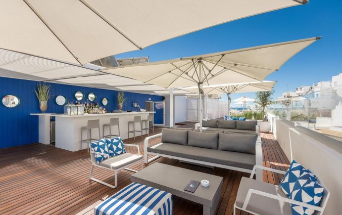 Dakterras met zitplaatsen van Hotel Baltum in de Algarve