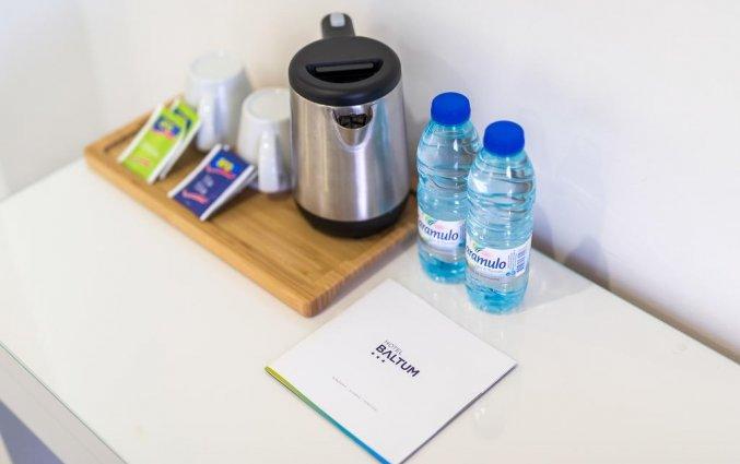 Koffie- en theevoorzieningen in de kamers van Hotel Baltum in de Algarve