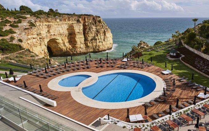 Zwembad van Hotel Tivoli Carvoeiro in Algarve