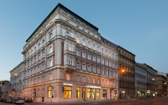 Vooraanzicht van hotel Suite Home Prague