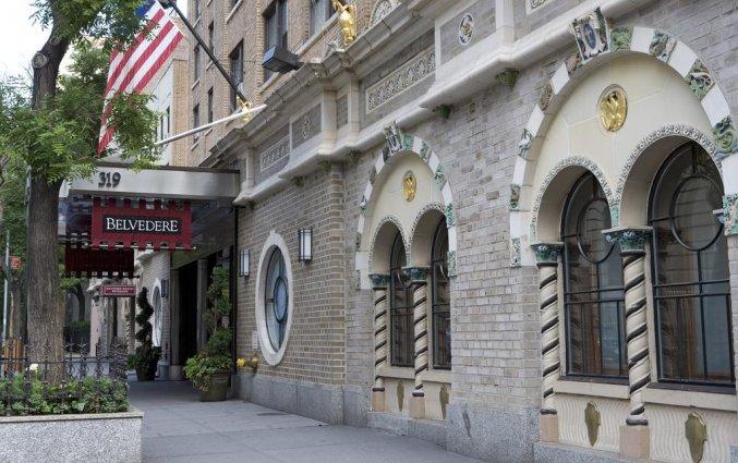 Voorkant van The Belvedere hotel New York