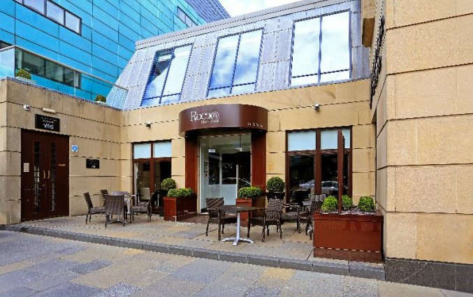 Ingang van hotel Macdonald Holyrood in Edinburgh