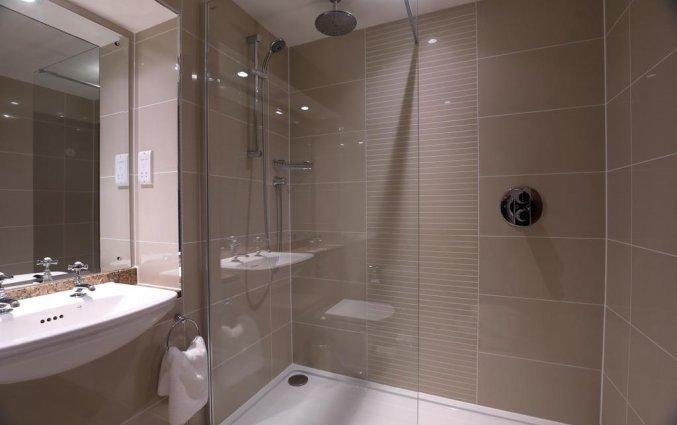 Badkamer van hotel Macdonald Holyrood in Edinburgh